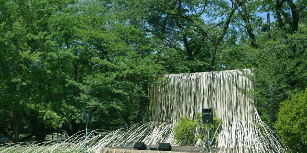 竹のステージ
